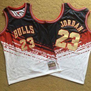 Chicago Bulls Michael Jordan Jersey (3)
